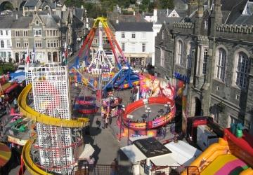 Fair rides in Bedford Square